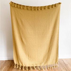 NWT Creative Co-Op Pom Pom Cotton Throw Blanket